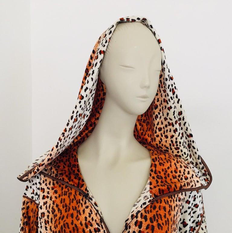 1970s Moroccan Hooded Caftan Animal Print Djellabah Kaftan For Sale 7