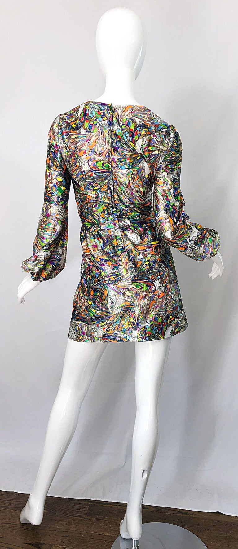 1970s Mosaic Swirl Vibrant Colored Bishop Sleeve Vintage 70s Tunic Dress In Excellent Condition For Sale In Chicago, IL
