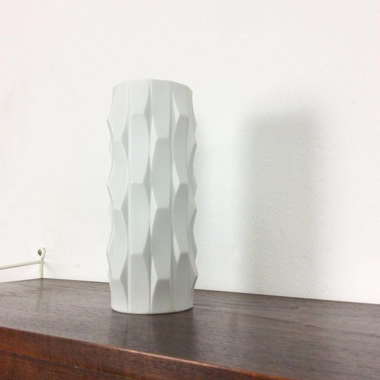 Mid-Century Modern 1970s OP Art Vase Porcelain Vase by Heinrich Fuchs for Hutschenreuther, Germany For Sale