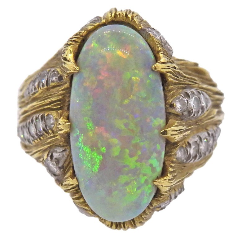 1970s Opal Diamond Gold Ring