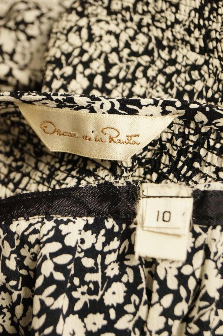 1970s Oscar de la Renta Navy and White Silk Wrap Dress with Floral Print For Sale 5