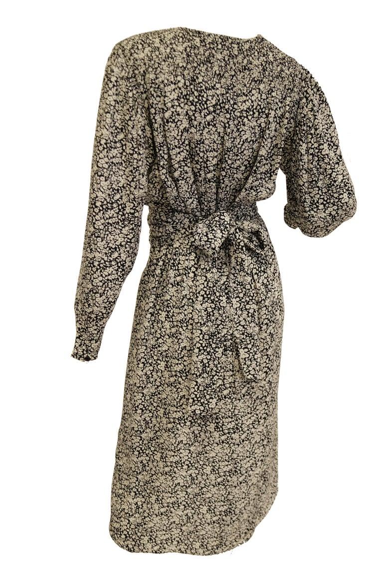 1970s Oscar de la Renta Navy and White Silk Wrap Dress with Floral Print For Sale 1