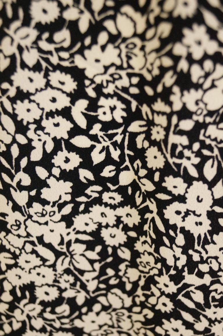 1970s Oscar de la Renta Navy and White Silk Wrap Dress with Floral Print For Sale 4