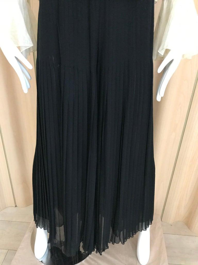 1970s Oscar De La Renta Creme and Black Silk Plisse Jumpsuit For Sale 4