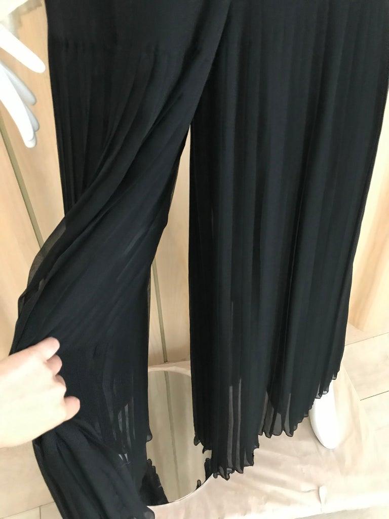 1970s Oscar De La Renta Creme and Black Silk Plisse Jumpsuit For Sale 5