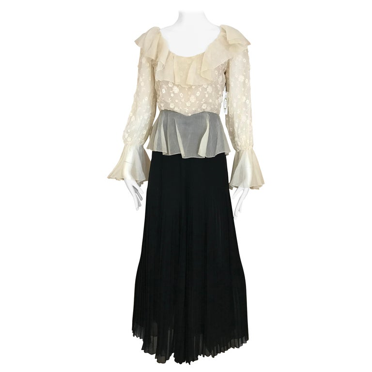 1970s Oscar De La Renta Creme and Black Silk Plisse Jumpsuit For Sale