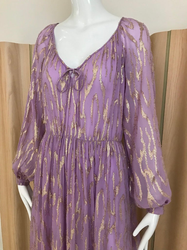 1970s Oscar De La Renta Lavender Purple Crepe Silk Dress In Good Condition For Sale In Beverly Hills, CA
