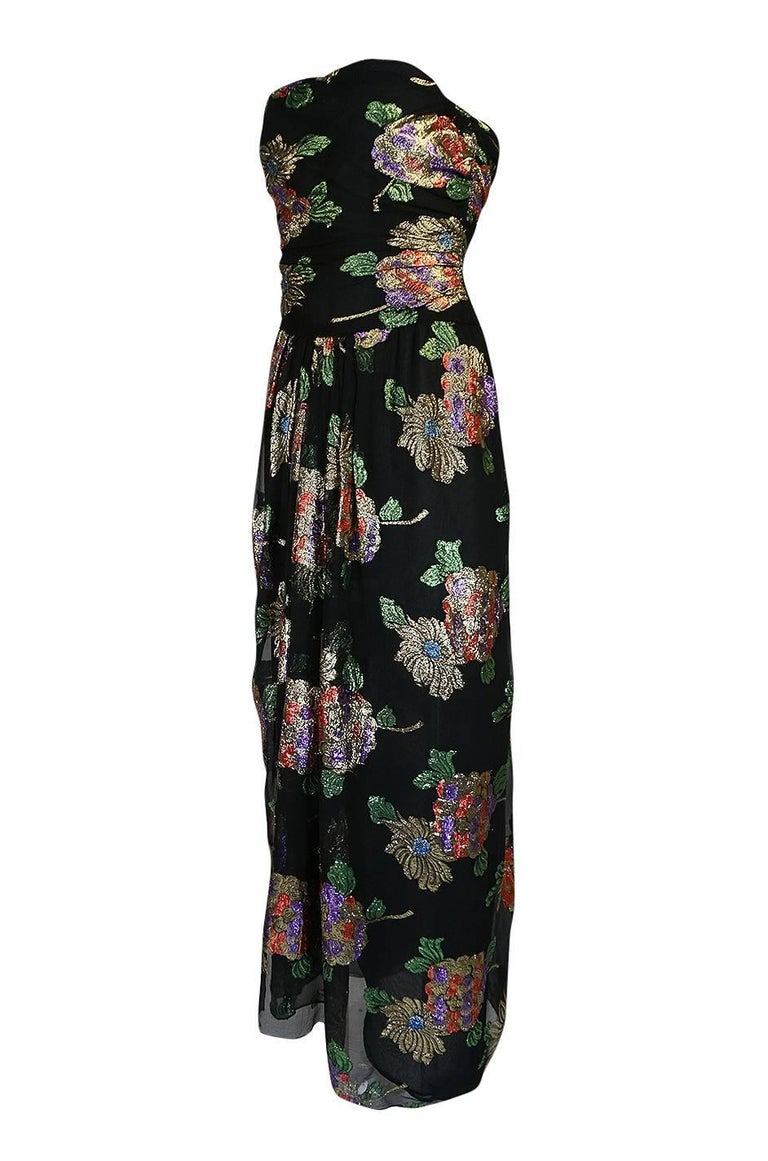 1970s Oscar De La Renta Silk & Vivid Metallic Strapless Dress In Excellent Condition For Sale In Toronto, ON