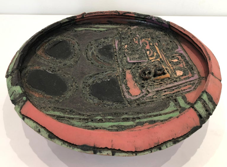1970s Overscale Textured Studio Pottery Bowl Sculpture In Good Condition For Sale In Miami, FL