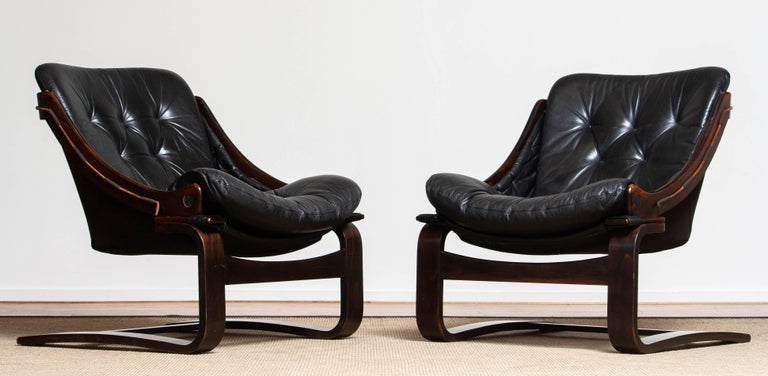 1970's Pair Black Leather Club / Lounge Chairs by Ake Fribytter for Nelo Sweden In Good Condition In Silvolde, Gelderland