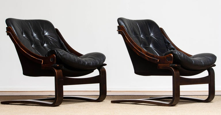 Late 20th Century 1970's Pair Black Leather Club / Lounge Chairs by Ake Fribytter for Nelo Sweden