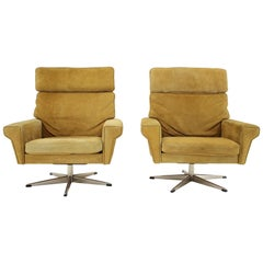 1970s Pair of Georg Thams Swivel Chairs in Suede Leather, Denmark