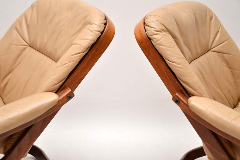 1970s Pair of Swedish Leather Armchairs For Sale 4