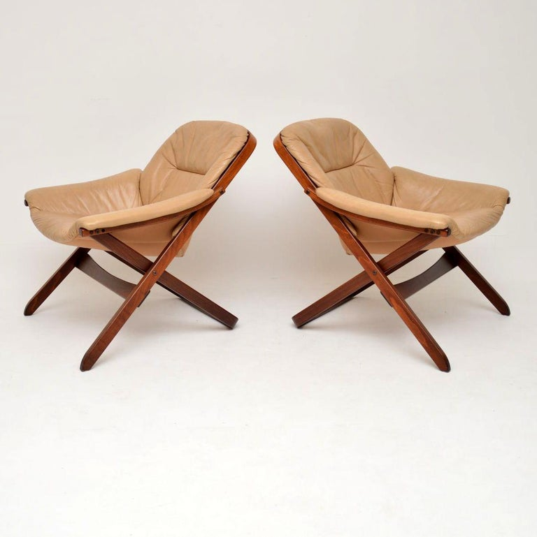 Mid-Century Modern 1970s Pair of Swedish Leather Armchairs For Sale