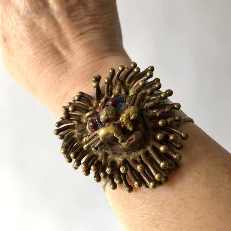 Women's 1970s Pal Kepenyes Mexican Modernist Bronze Glass Eyed Lion Cuff Bracelet For Sale