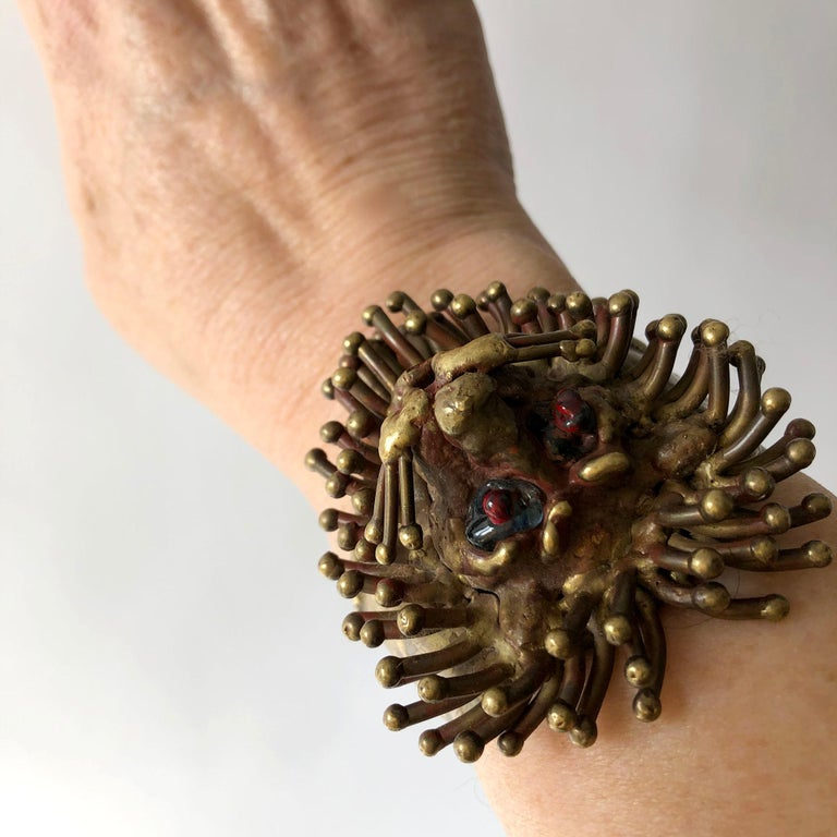 1970s Pal Kepenyes Mexican Modernist Bronze Glass Eyed Lion Cuff Bracelet For Sale 1