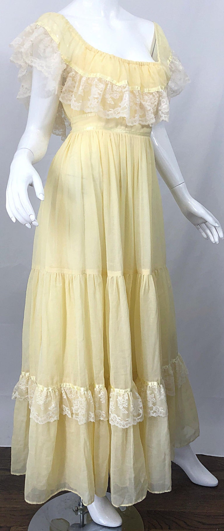 1970s Pale Light Yellow Cotton Voile Lace Vintage Boho