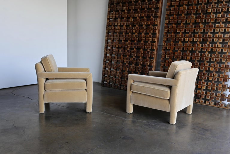 1970s Parsons Lounge Chairs in Mohair For Sale 2