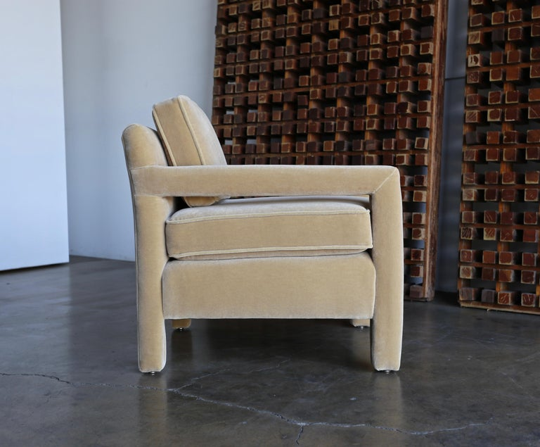 20th Century 1970s Parsons Lounge Chairs in Mohair For Sale