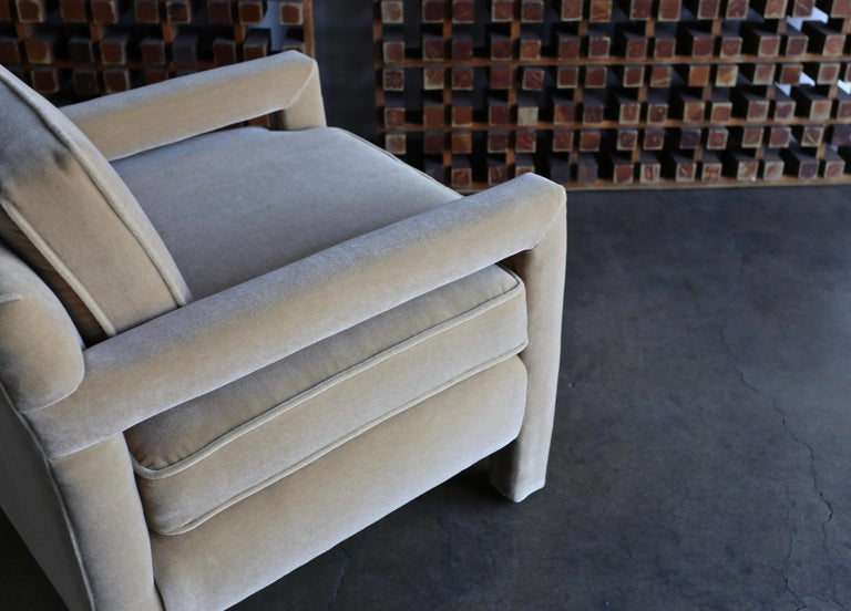 1970s Parsons Lounge Chairs in Mohair For Sale 1