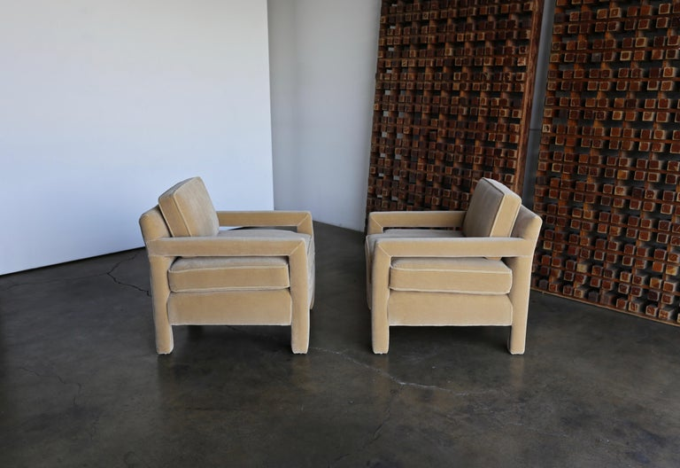 1970s Parsons Lounge Chairs in Mohair For Sale 4