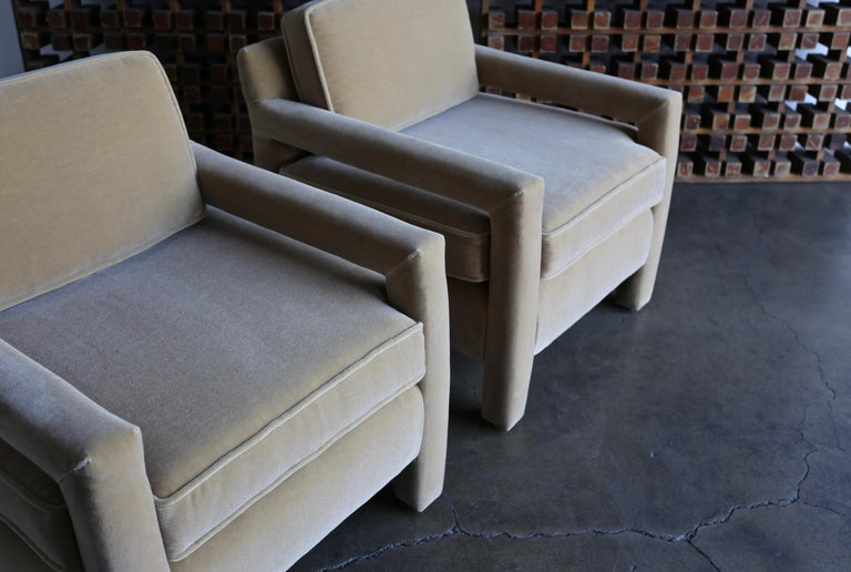 1970s Parsons Lounge Chairs in Mohair For Sale 3