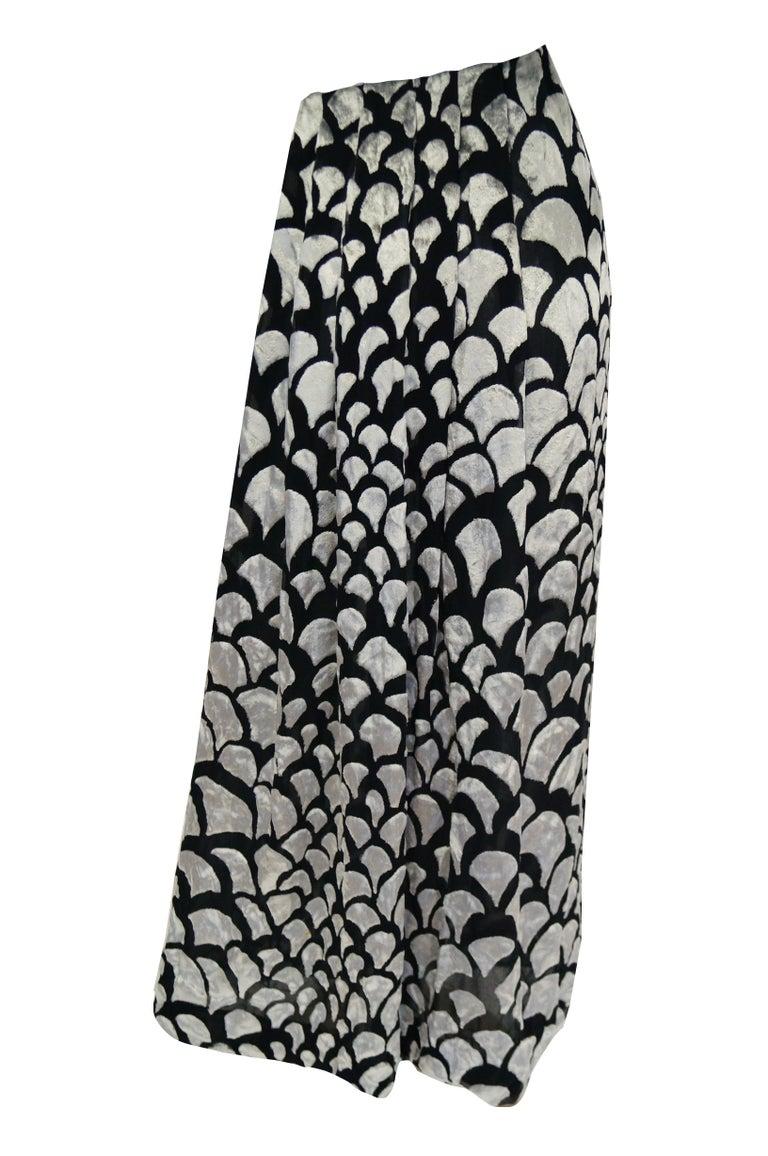 1970s Pauline Trigere Black & Silver Burnout Velvet Evening Dress Ensemble For Sale 7