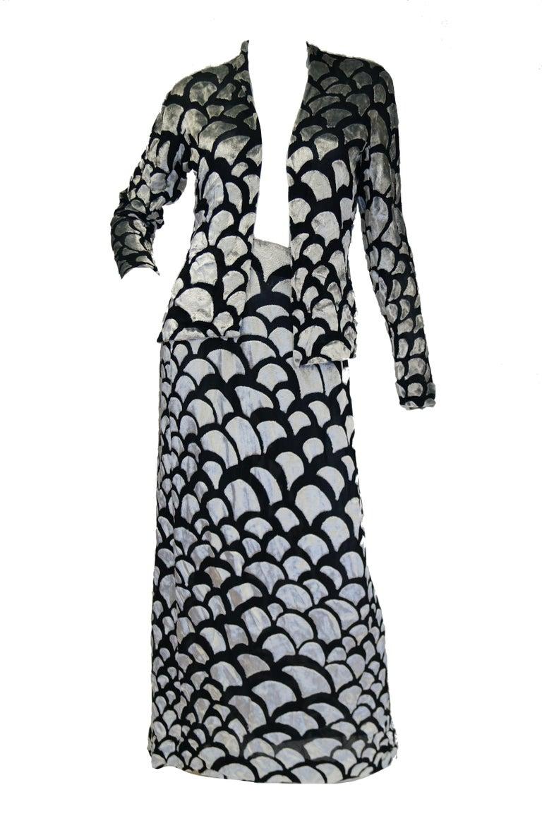 1970s Pauline Trigere Black & Silver Burnout Velvet Evening Dress Ensemble In Excellent Condition For Sale In Houston, TX