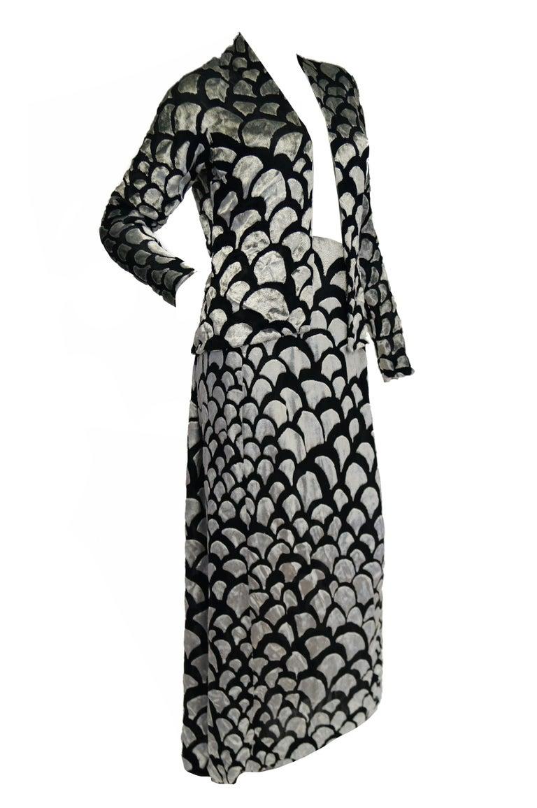 1970s Pauline Trigere Black & Silver Burnout Velvet Evening Dress Ensemble For Sale 2