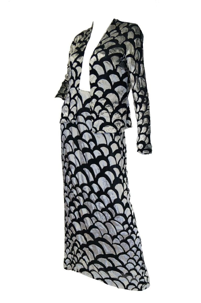 1970s Pauline Trigere Black & Silver Burnout Velvet Evening Dress Ensemble For Sale 3