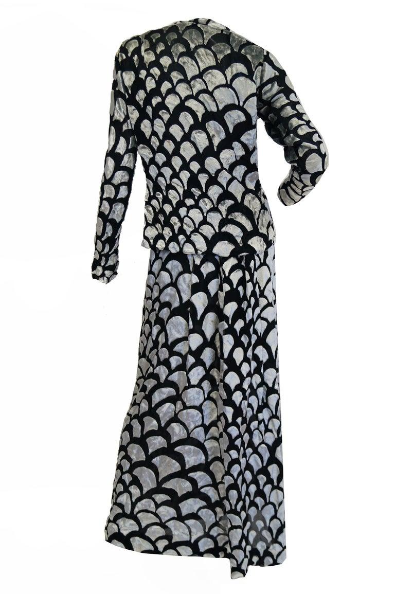 1970s Pauline Trigere Black & Silver Burnout Velvet Evening Dress Ensemble For Sale 4