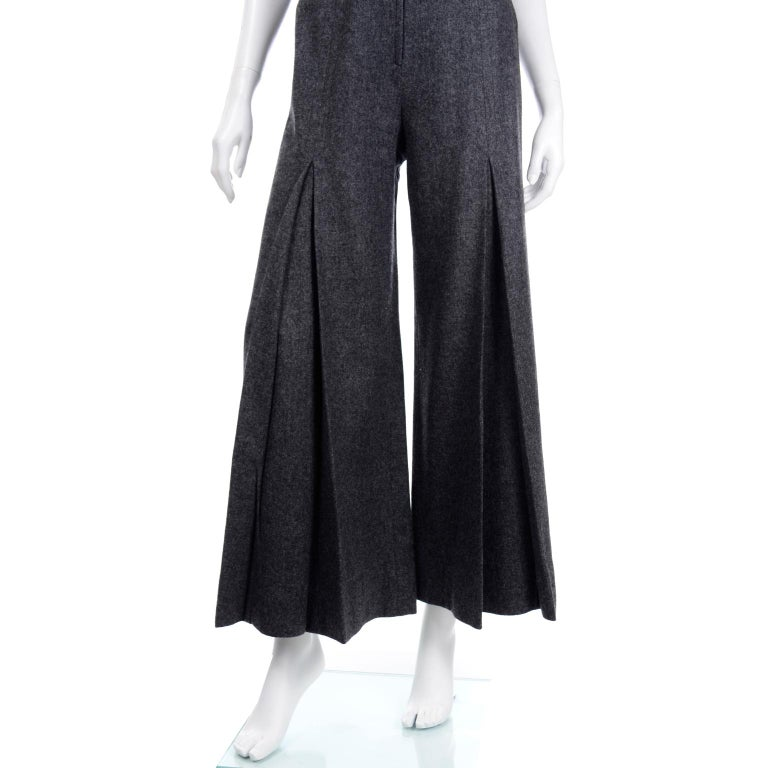 1970s Pierre Cardin Grey Wool Wide Leg Pleated Pants & Vest Style Top Outfit For Sale 5