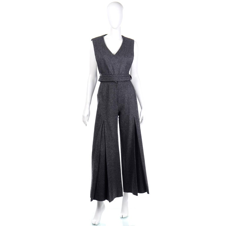 1970s Pierre Cardin Grey Wool Wide Leg Pleated Pants & Vest Style Top Outfit In Excellent Condition For Sale In Portland, OR