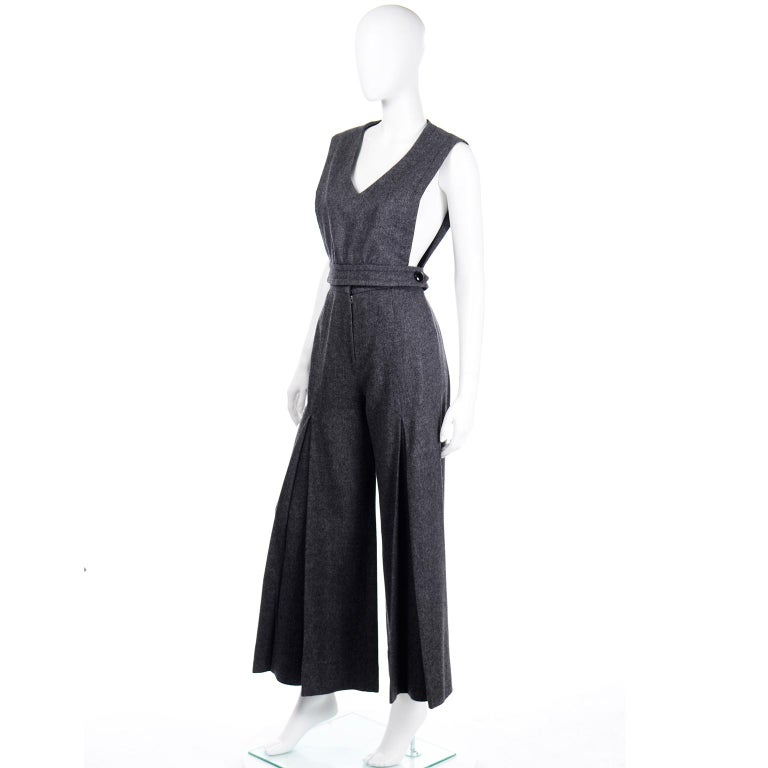1970s Pierre Cardin Grey Wool Wide Leg Pleated Pants & Vest Style Top Outfit For Sale 3