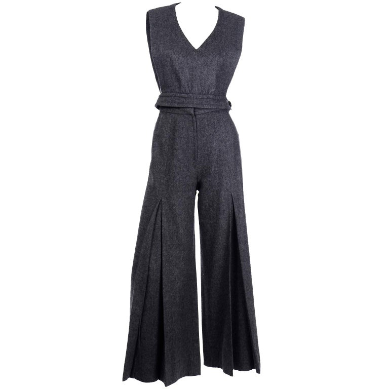 1970s Pierre Cardin Grey Wool Wide Leg Pleated Pants & Vest Style Top Outfit For Sale 4