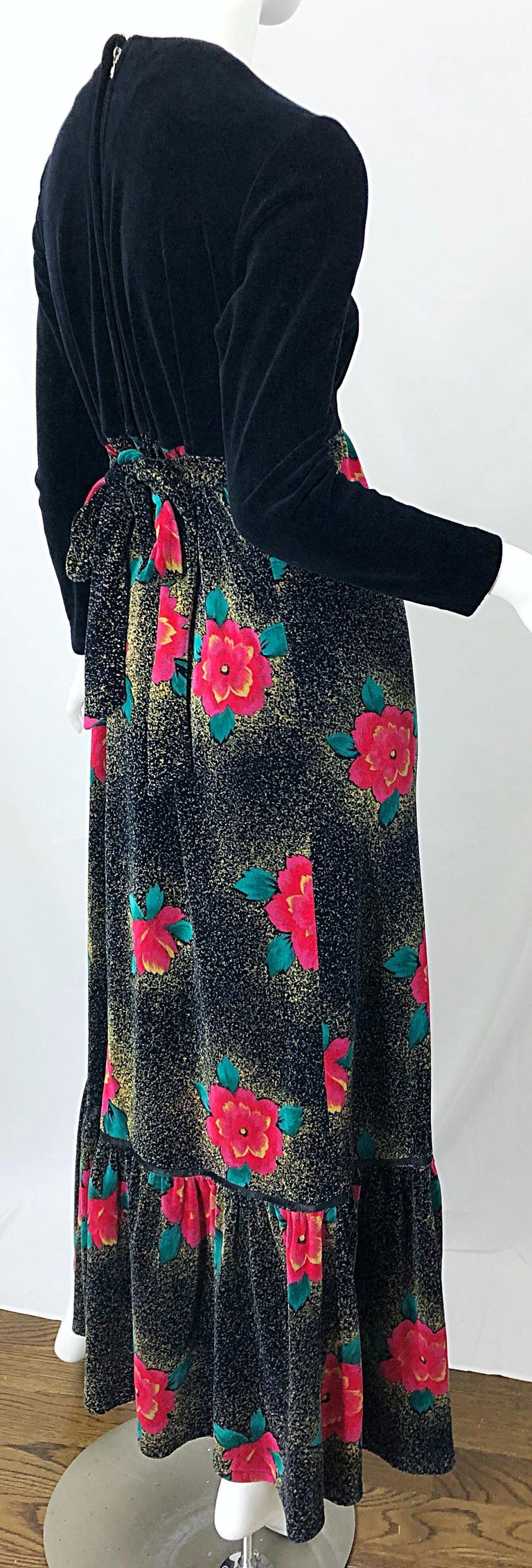 1970s Poinsettia Print Embroidered Beaded Velvet Velour Holiday Maxi Dress Gown For Sale 5