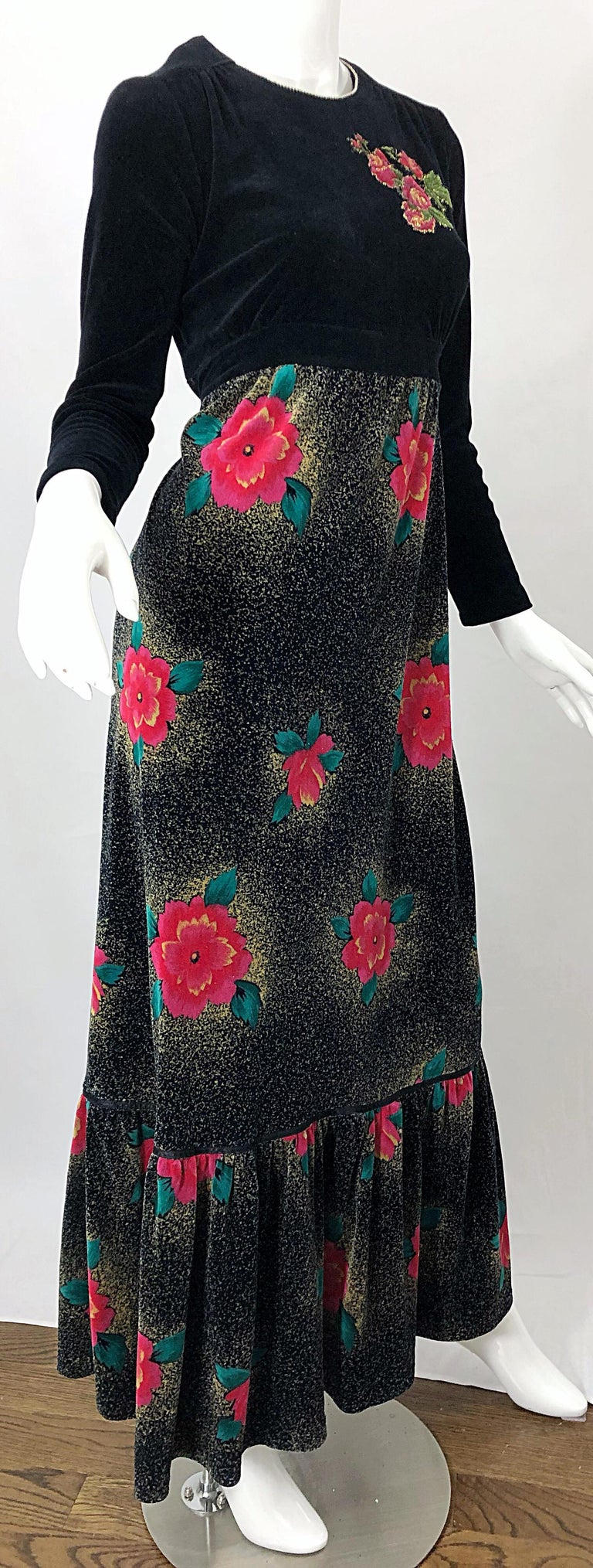 1970s Poinsettia Print Embroidered Beaded Velvet Velour Holiday Maxi Dress Gown For Sale 7