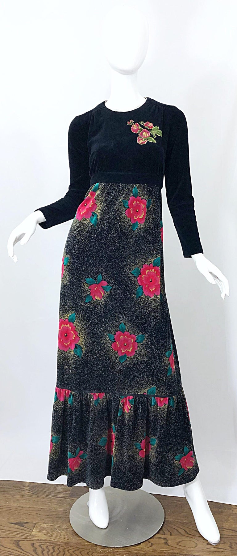 1970s Poinsettia Print Embroidered Beaded Velvet Velour Holiday Maxi Dress Gown For Sale 9