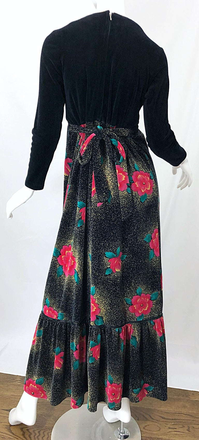 1970s Poinsettia Print Embroidered Beaded Velvet Velour Holiday Maxi Dress Gown For Sale 2