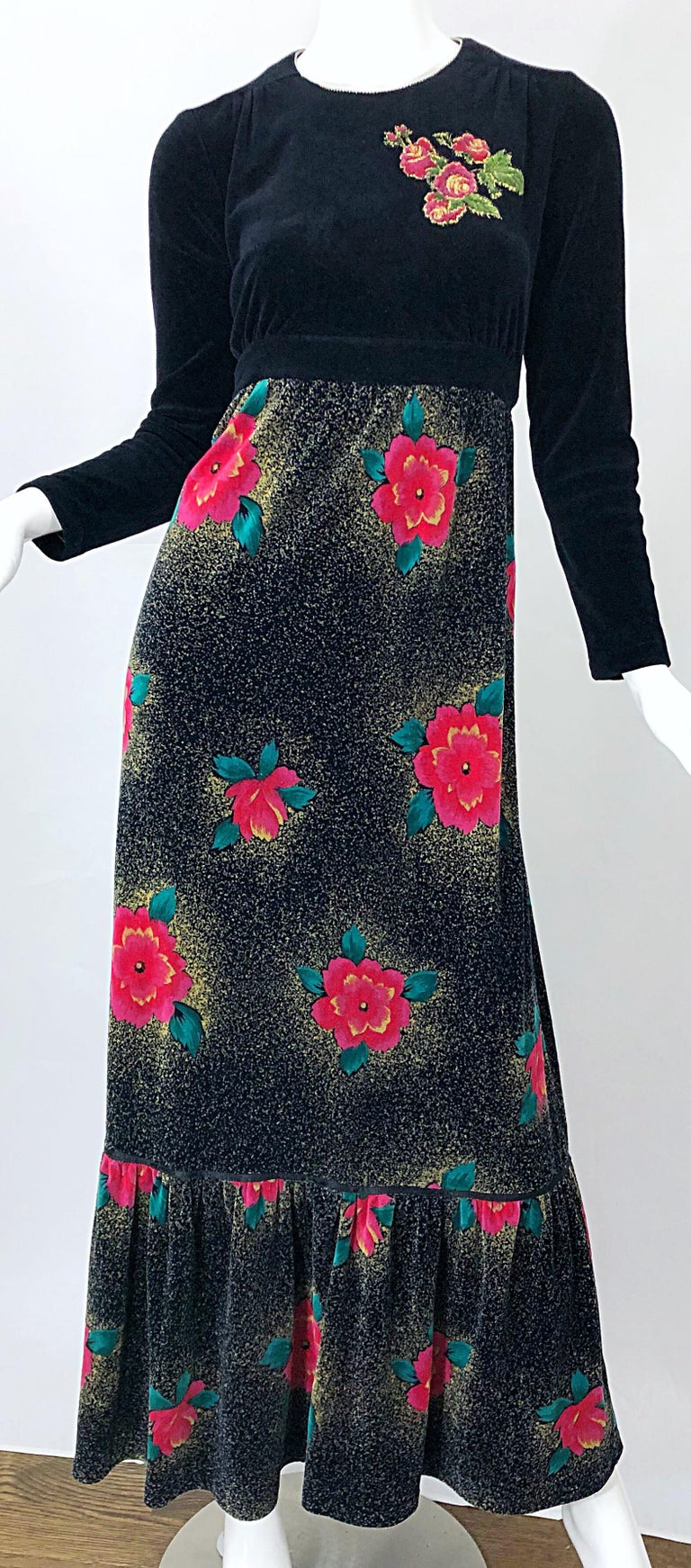 1970s Poinsettia Print Embroidered Beaded Velvet Velour Holiday Maxi Dress Gown For Sale 3