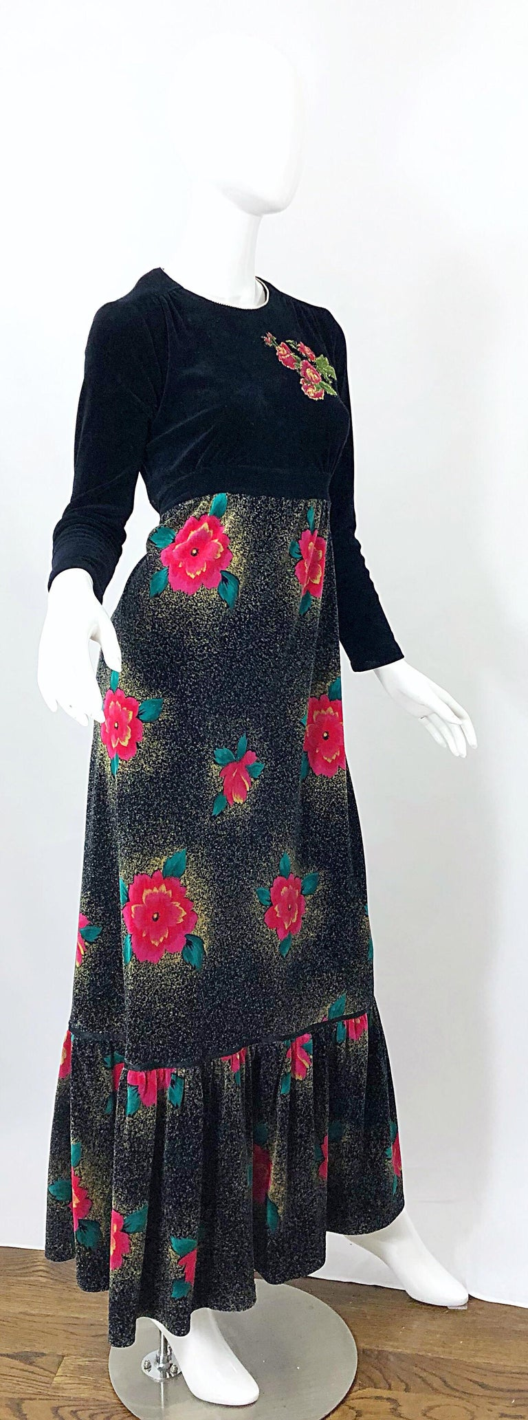 1970s Poinsettia Print Embroidered Beaded Velvet Velour Holiday Maxi Dress Gown For Sale 4