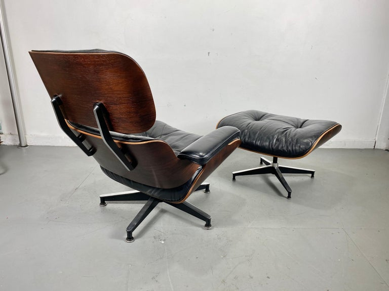 Mid-Century Modern 1970s Production Eames 670 & 671 Rosewood and Leather Lounge Chair Herman Miller