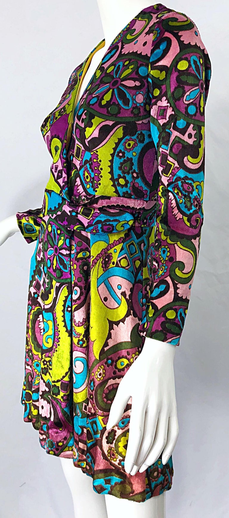 1970s Psychedelic Paisley Print Colorful Velour Vintage 70s Wrap Dress For Sale 5