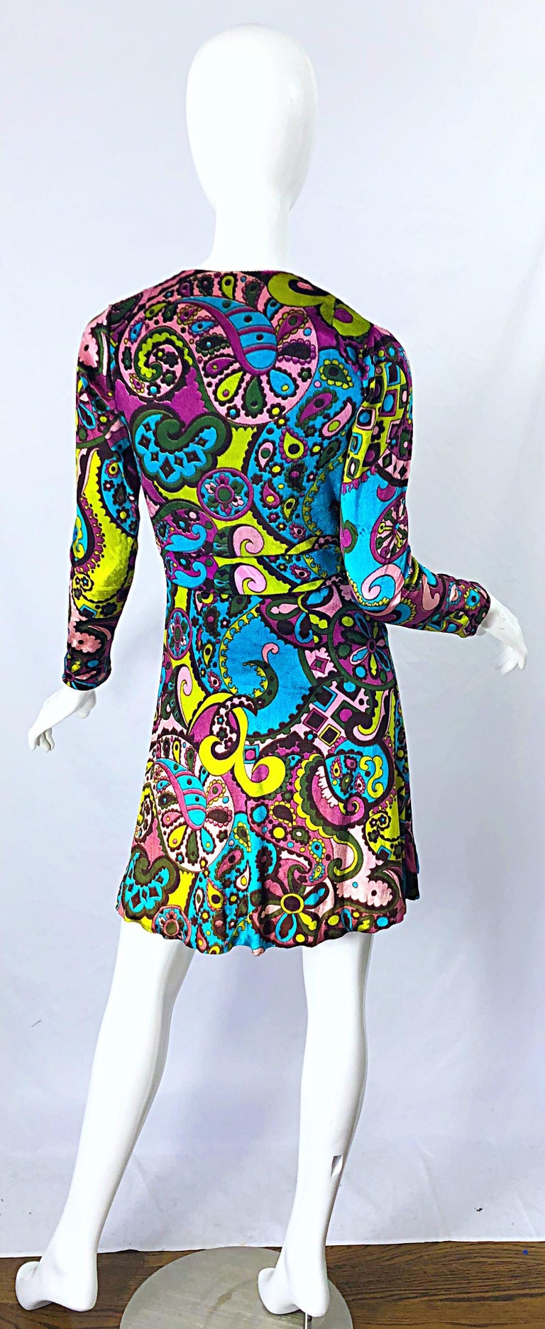 1970s Psychedelic Paisley Print Colorful Velour Vintage 70s Wrap Dress For Sale 6