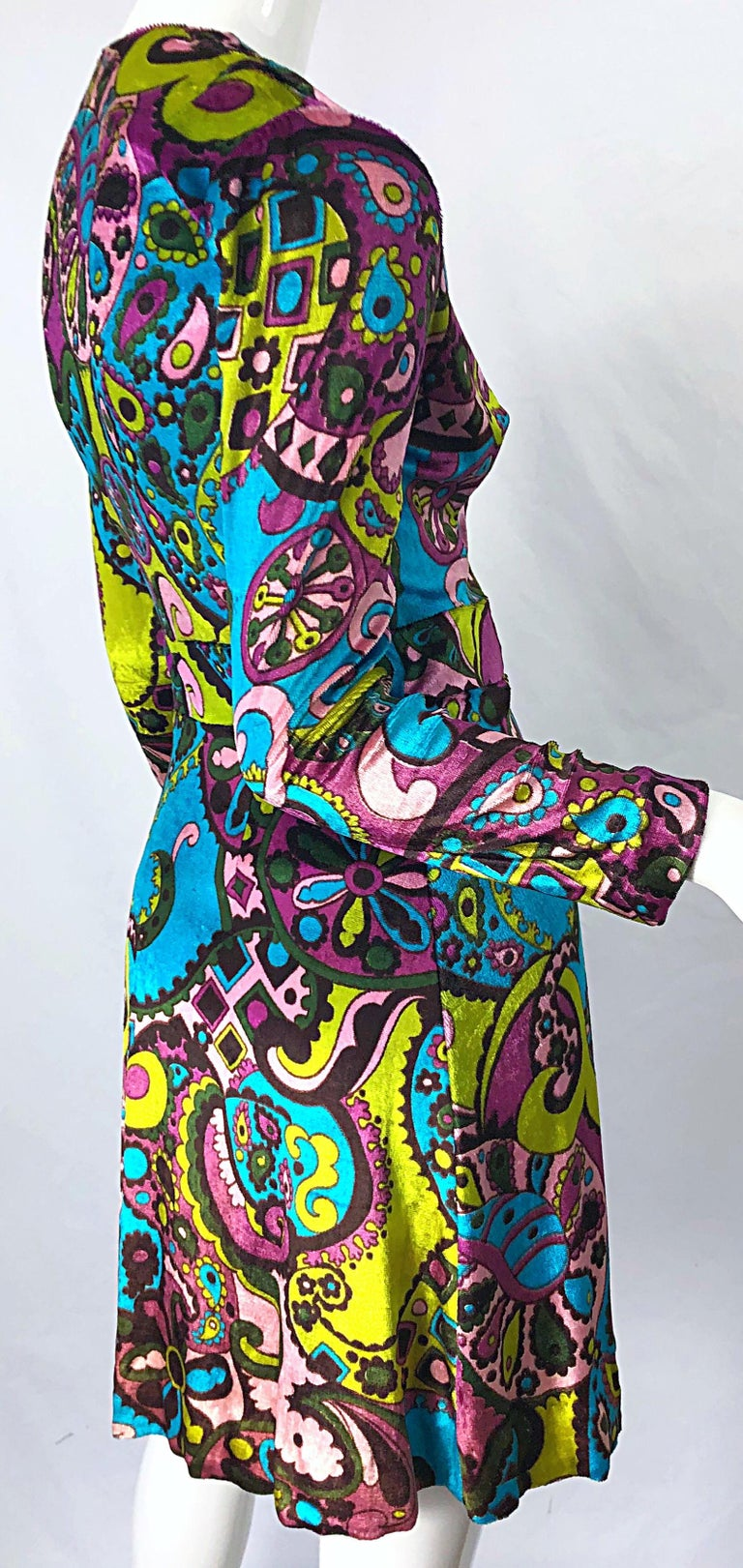 1970s Psychedelic Paisley Print Colorful Velour Vintage 70s Wrap Dress For Sale 7