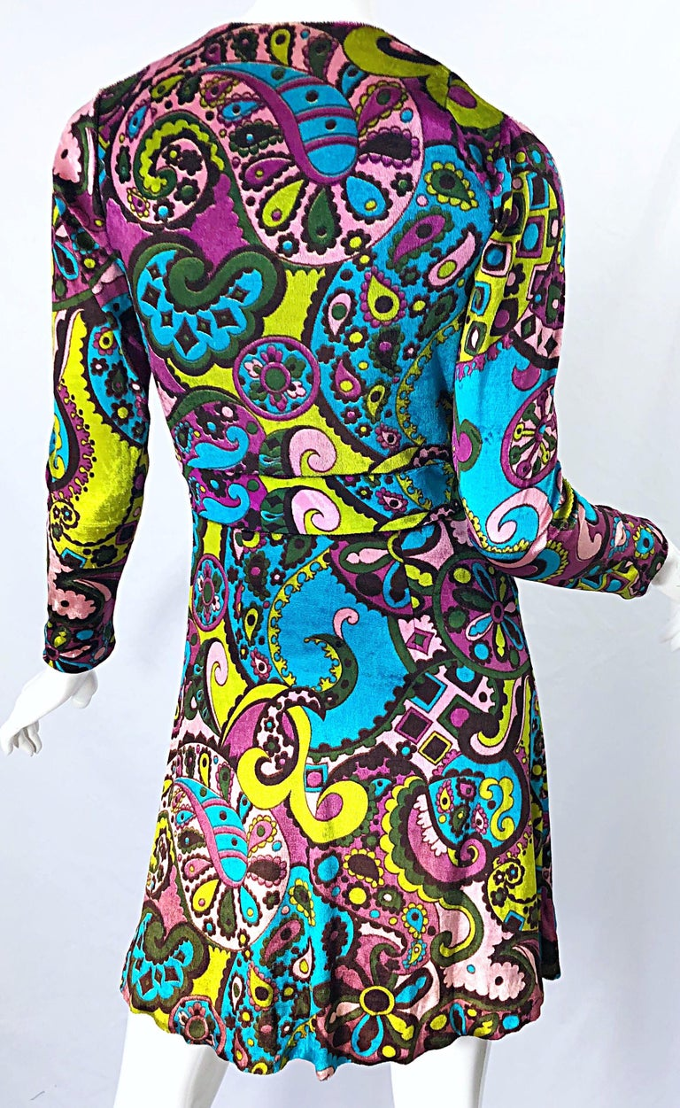 Black 1970s Psychedelic Paisley Print Colorful Velour Vintage 70s Wrap Dress For Sale