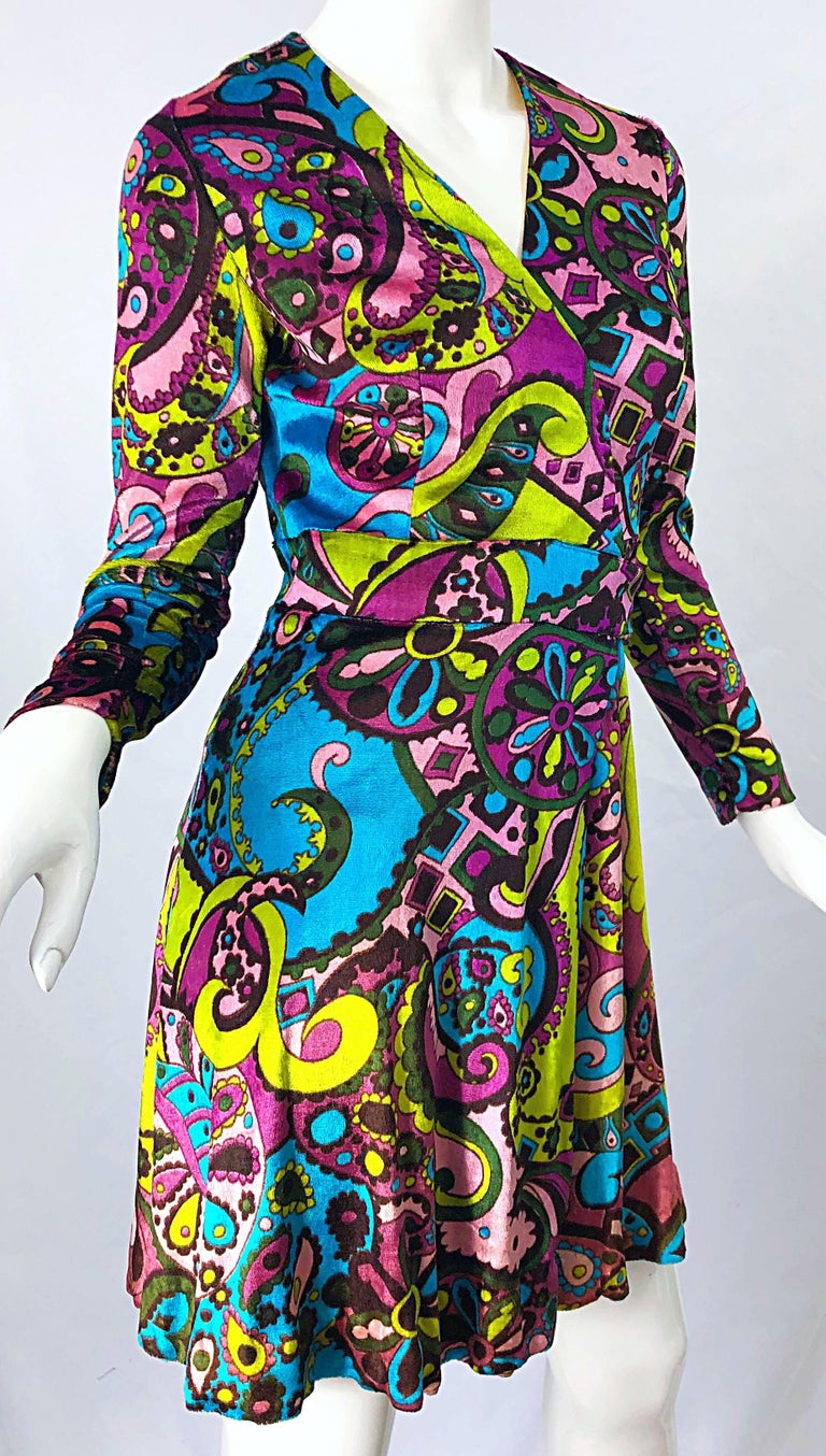 1970s Psychedelic Paisley Print Colorful Velour Vintage 70s Wrap Dress For Sale 1