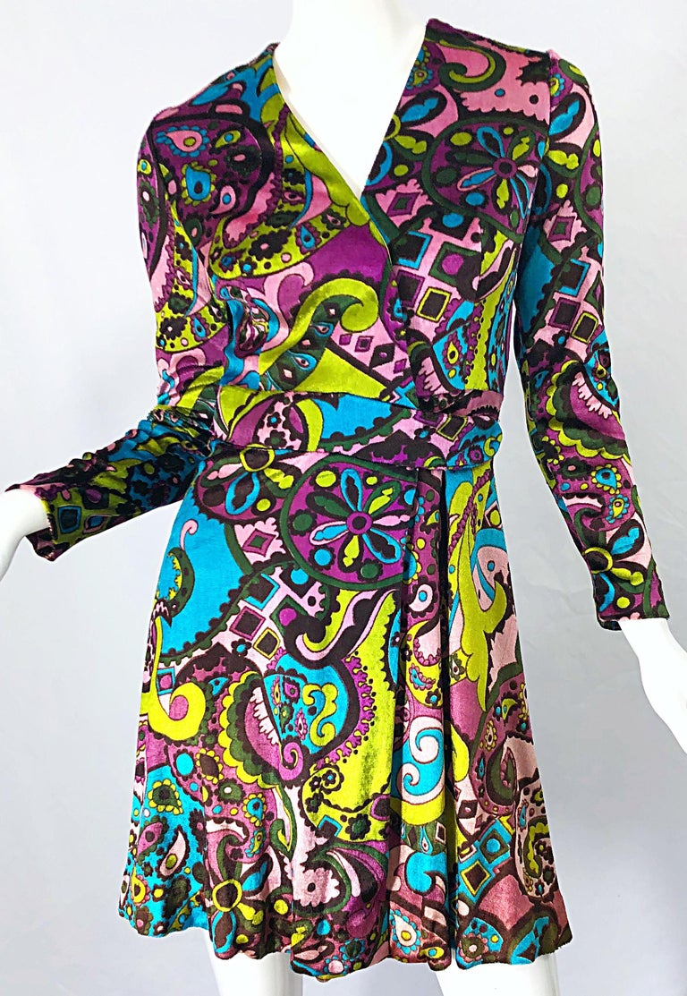 1970s Psychedelic Paisley Print Colorful Velour Vintage 70s Wrap Dress For Sale 4