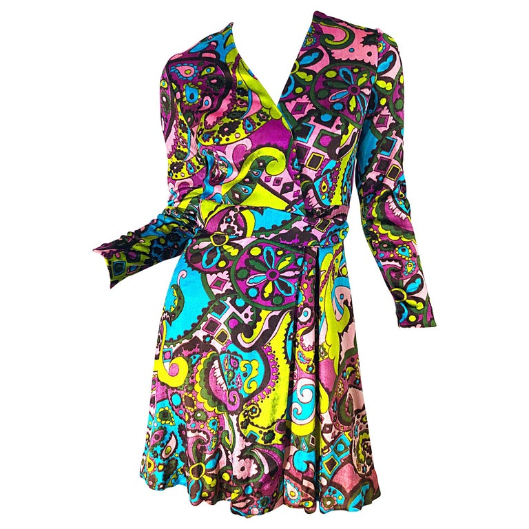 1970s Psychedelic Paisley Print Colorful Velour Vintage 70s Wrap Dress For Sale