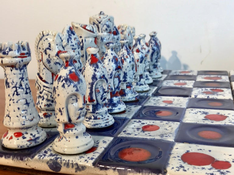 Mid-Century Modern 1970s Psychedelic Studio Pottery Chess Set For Sale